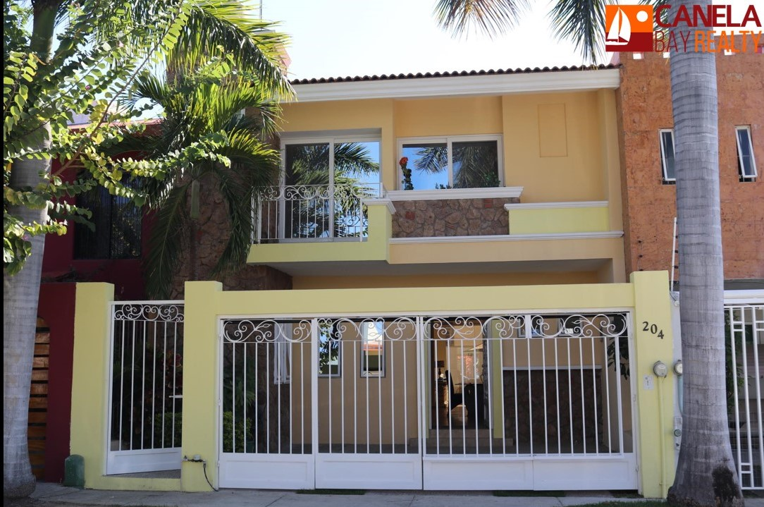 For sale house with pool in Fluvial Vallarta